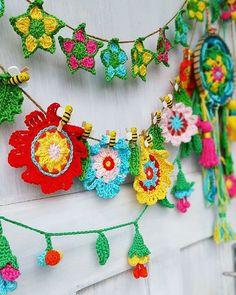 Bunting Pattern, Crochet Bunting, Crochet Garland, Crochet Mandala Pattern, Crochet Triangle, Crochet Stars, Crochet Flower Patterns, Flower Applique, Crochet Flowers