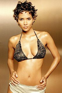 Haircuts For Curly Hair, Short Pixie Haircuts, Pixie Hairstyles, Celebrity Hairstyles, Nia Long, Catherine Zeta Jones, People Magazine, Celebrity Babies, Sexy Shorts
