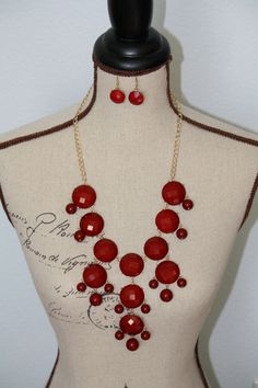 Perfect Holiday Necklace - Red Bubble Necklace - $29.00 FREE SHIPPING Buy it now at ARM CANDY - http://www.facebook.com/armcandyauctions