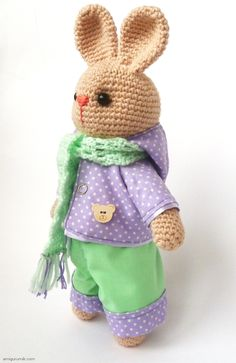 """Crochet Bunny - free tutorial in russian - I love the way the arms are attached. And now I can figure this pattern out, even in Russian because I have that """"How to Read Russian Patterns"""" pin. M2"""