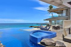 Infinity pools looking out o the  ocean