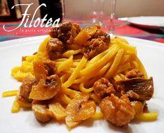 Spaghetti alla Chitarra linea Le Matassine con Salsiccia e Funghi Champignon.