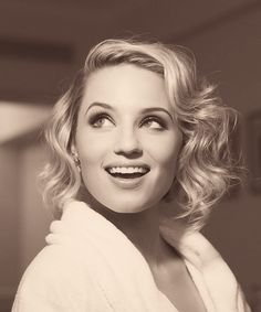 Vintage curls on short blonde hair, dear lord, someone tell me how to do this please?