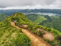 Azori-szigetek: hol van, mikor a legjobb utazni, repülés, szállás, autóbérlés, melyik sziget a legjobb, mit pakoljak, praktikus tudnivalók Country Roads, Travel, Viajes, Destinations, Traveling, Trips, Tourism