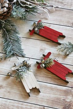 Popsicle Stick Sled Ornaments:  Easy DIY project that even the kids can do, and add a simple, rustic touch to your Christmas décor :)