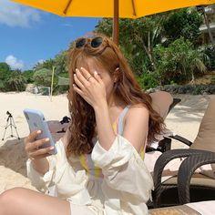 ". on Instagram: "". 드디어 날씨 좋은 오늘🌞"" Korean Girl Photo, Korean Girl Fashion, Cute Korean Girl, Korean Street Fashion, Korean Aesthetic, Aesthetic Girl, Japanese Aesthetic, Beige Aesthetic, Beach Poses"