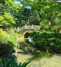 Parcs Paris, Claude Nicolas Ledoux, Romantic Things, France Travel, Garden Bridge, Paris France, Places Ive Been, Scene, Outdoor Structures