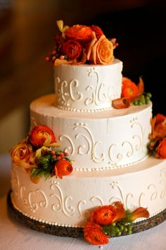 Brushed Buttercream Wedding Cake | photography by http://www.peppernix.com/