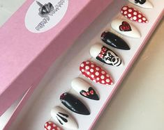 Minnie mouse Klaws x hand painted classic red minnie mouse false nails