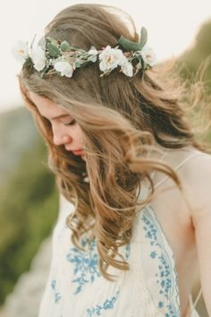 Bridesmaids Inspiration: Love this boho look for a bridesmaid! Photo by Kristen Booth via Bridal Musings. #flower #headpiece #floral