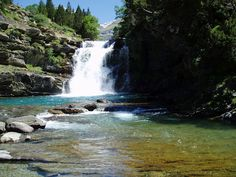 Parque Nacional de Ordesa - Spain  http://caminantesaigues.blogspot.com.es/2008_08_01_archive.html
