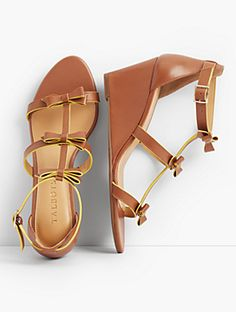 b76f3f54ff03 16 Best Shoes images in 2019