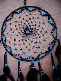 this is the pattern moms wants for the giant dream catcher! Large Black and Blue Dream Catcher by xsaraphanelia Blue Dream Catcher, Beautiful Dream Catchers, Making Dream Catchers, Dream Catcher Mobile, Romantic Cabin Getaway, Los Dreamcatchers, Suncatchers, Wind Chimes, Diy And Crafts