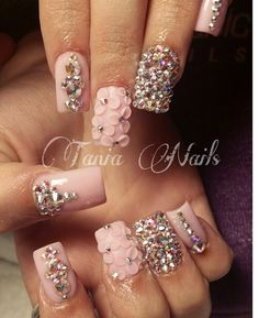 Attractive Looking Nails with Solar Nails Rhinestone Nails, Bling Nails, 3d Nails, Cute Nails, Acrylic Nails, Party Nails, Crystal Nails, Cute Nail Designs, Flower Nails