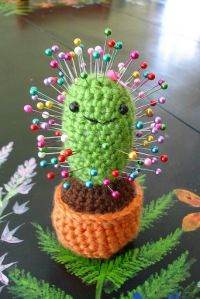 Funny pictures about Crochet Cactus. Oh, and cool pics about Crochet Cactus. Also, Crochet Cactus photos. Easy Crochet Projects, Crochet Patterns For Beginners, Knitting Projects, Sewing Projects, Diy Projects, Beginners Sewing, Crochet Tutorials, Crochet Ideas, Project Ideas