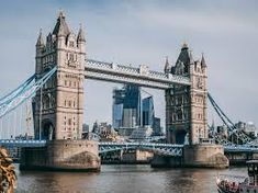 Explore the Old City of London accompanied by an expert tour guide and see major London landmarks like the Tower of London, St Paul's Cathedral and London Bridge. London Eye, London City, London Bridge, Tower Of London, Stamford Bridge, London Food, Piccadilly Circus, Trafalgar Square, Covent Garden