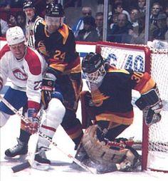 Hockey Goalie, Hockey Games, San Jose Sharks, Vancouver Canucks, Nhl, Premier League, Nascar, Goalie Mask, Nfl Fans