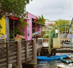 port-salerno-grove-dock-bar-cropped