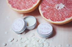 DIY baume à levres Elle Frost - Elle Frost // Powered by chloédigital Homemade Primer, Cosmetic World, Diy Beauty Treatments, Diy Lip Balm, Thanks Card, Going Natural, Makeup For Beginners, Beginner Makeup, Simple Makeup