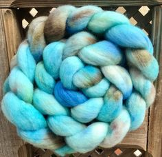 Hand painted Polwarth top, Hand dyed roving, 100g, Polwarth, Hand Painted top, roving, fiber, Hand dyed spinning wool, Egg shell by YummyYarnsUK on Etsy