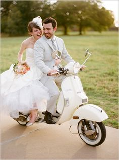 whimsical-bright perfect pictures transportation bride paris groom
