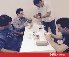Hand's ON sistema Fitguide, em pé Felipe Netzel (Executivo de contas da DSP Biomedical)
