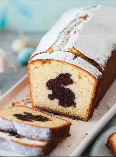 Bunny cake - This juicy rabbit cake is particularly popular for baking at Easter. With a simple trick you place - Easy Vanilla Cake Recipe, Easy Cake Recipes, Cookie Recipes, Dessert Recipes, Chocolate Pound Cake, Chocolate Recipes, Rabbit Cake, Food Cakes, Easter Recipes