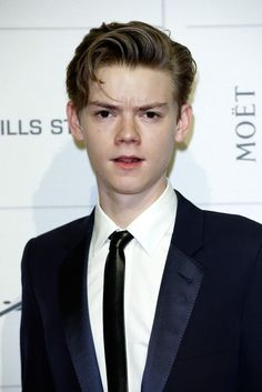 Can we just appreiciate on how perfect Thomas Sangster is? Goddamn.