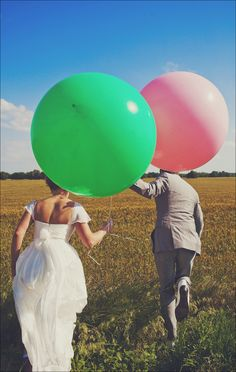 This would be so much cuter if the ballons were the only color in the photo