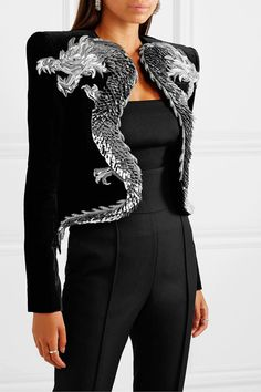 Shopping: BALMAIN cropped appliquéd embellished velvet jacket For Pre-Fall Balmain's Olivier Rousteing showcases the house's craftsmanship and attention to detail through Japanese-inspired moti… Fashion Mode, Couture Fashion, Look Fashion, High Fashion, Fashion Show, Womens Fashion, Fashion Design, Fashion Trends, Mode Outfits