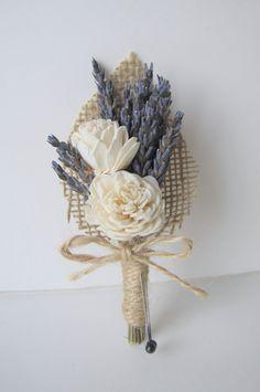 Lavanda y blanco florecen Sola flor en el por TheBackyardGardener