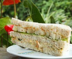 Sanduiche natural de fricassê de frango com alface e abacaxi #lanchepolos  (em Polos Pães e Doces)