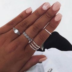 Trendy Nail Colors That Women Can't Miss Hand Jewelry, Simple Jewelry, Cute Jewelry, Cute Acrylic Nails, Cute Nails, Fashion Rings, Fashion Jewelry, Nail Ring, Accesorios Casual