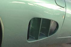 アストンマーティン、「V12 スピードスター」を予告。88台のみのオープン2シーターは2020年後半に発表   Aston_Martin_V12_Speedster_010812-min   8枚目の写真 (全19枚)   GENROQ Web(ゲンロク ウェブ) Aston Martin Dbr1, Vehicles, Car, Vehicle, Tools