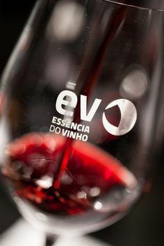 Essencia do Vinho, 3000 labels from 350 Portuguese wine producers at Palácio do Vinho, 26 February to 1 March.
