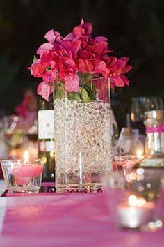 Le Flacon de 145 Boules d'Eau pour Décoration Florale. Décorez votre évènement grâce à mariage.fr, numéro 1 des boutiques de décoration mariage en France. décoration mariage, decor mariage, wedding, water, pink, rose.