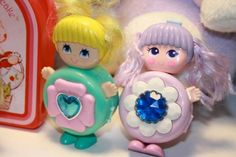 lots of some great little toys! Includes 3 sweet secrets a wuzzle and a strawberry shortcake clip- 1980s Toys, Retro Toys, Vintage Toys, Retro Vintage, 90s Childhood, My Childhood Memories, Polly Pocket, Barbie, Old School Toys