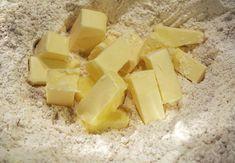 Biscuiti din turta dulce (fara zahar)- reteta de preparat împreuna cu cei mici Feta, Sugar Free, Biscuit, Dairy, Cheese, Food Food, Biscuits, Cookie, Sponge Cake