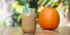 Soo pumped to try this! Pumpkin pie Shakeology recipe using pumpkin puree and Vanilla Shakeology. Raspberry Smoothie, Fruit Smoothies, Smoothie Recipes, Smoothie Ingredients, Shake Recipes, Recipe Using Pumpkin, Pumpkin Recipes, P90x, Pumpkin Spice Syrup