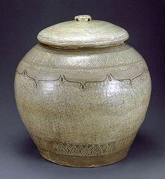 (Korea) Buncheong porcelain Bottle with stamped. 인화문태호. ca 15 century. Joseun Kingdom, Korea