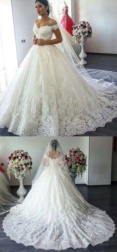 Vintage V-neck Off The Shoulder Lace Wedding Ball Gown Dresses 2018