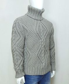 Hand knitted WOOL thick mens woolen sweater with turtleneck, soft jumper Cable Knitting, Hand Knitting, Gros Pull Long, Jumper, Men Sweater, Grey Fashion, Wool Yarn, Turtle Neck, Pullover