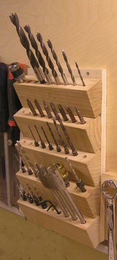Nice way to stack many bits and still have everything visible from above #WoodworkingTools #woodworkingideas