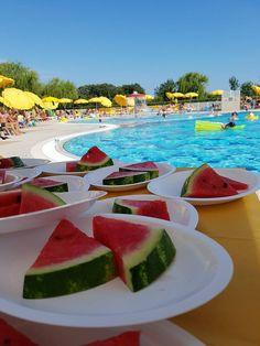 Hotel Maregolf **** , Itálie - Caorle, Lido Altanea. Blízko pláže, bazén, golfové hřiště, vyžití pro děti, moderní pokoje, klimatizace, výtah a parkoviště, polopenze nebo plná penze, švédské stoly. Doporučujeme pro jednotlivce, páry i rodiny s dětmi! Watermelon, Fruit