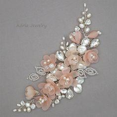 Blozen roze zendspoel bruiloft haaraccessoires door adriajewelry