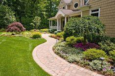 awesome 35 Afforable Garden Path Design Ideas To Impress Everyone http://decorke.com/2018/03/21/35-afforable-garden-path-design-ideas-to-impress-everyone/