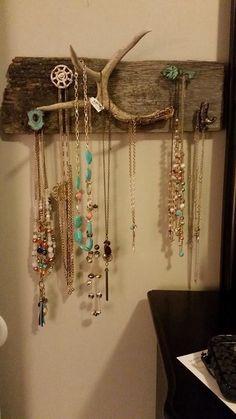 Barn wood, deer antler jewelry holder #homemaderusticfurniture