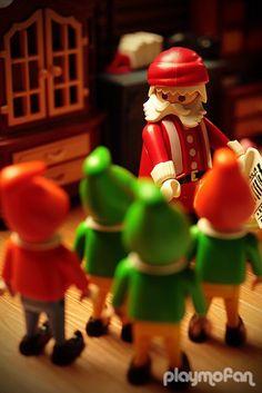 Y si una mañana de diciembre te despertases y toda tu casa estuviese engalanada con las decoraciones navideñas?? Click en la foto para conocer la historia :-)