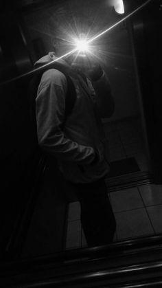 Have a trip boys selfie - Instagr Photo Poses For Boy, Boy Poses, Applis Photo, Fake Photo, Boy Pictures, Boyfriend Pictures, Photography Poses For Men, Tumblr Photography, Ideas Fotos Tumblr
