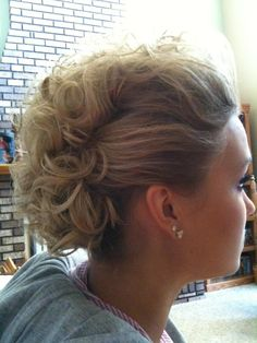 Mohawk UpDo, makes me pine for my long hair.